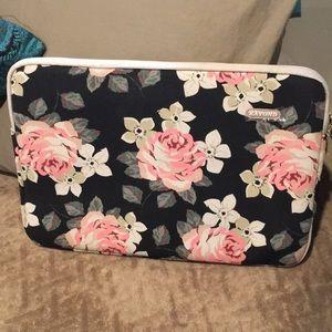 "Kayond Roses mind 15""-17"" laptop case"